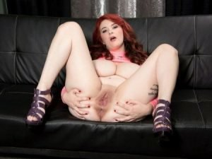 Harlow Nyx Video - Gets Her Kicks