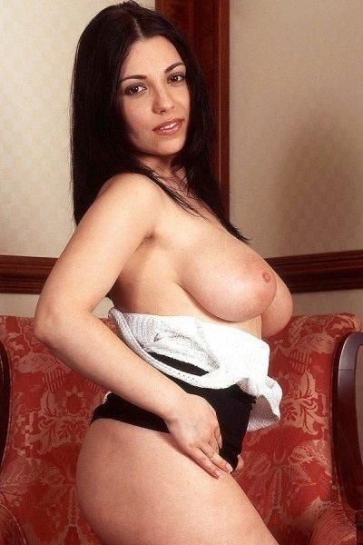 Florri Big Tits Model Profile