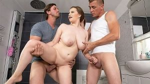 Alice Wayne Video - Busty Alice Wayne Gets Double-Dipped & Double-Nutted