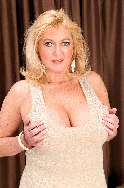 Tahnee Taylor Big Tits Model Profile
