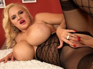 Dolly Fox Video - Foxy Fishnets