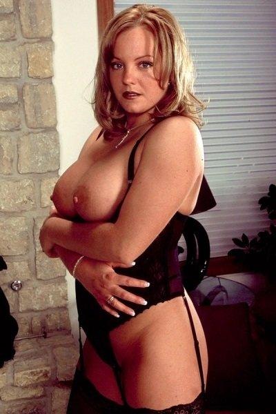 Drew Big Tits Model Profile