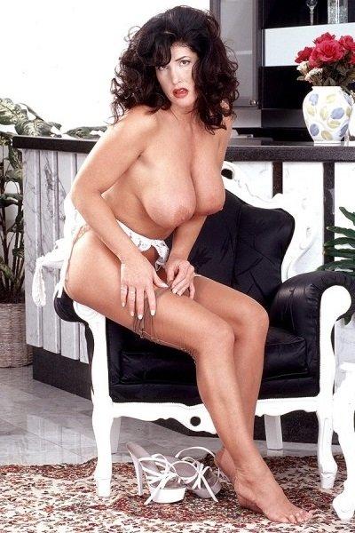Holly Body Big Tits Model Profile