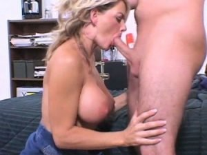 Vicky Vette Video - Mom Screwed By College Roommate Of Her Son