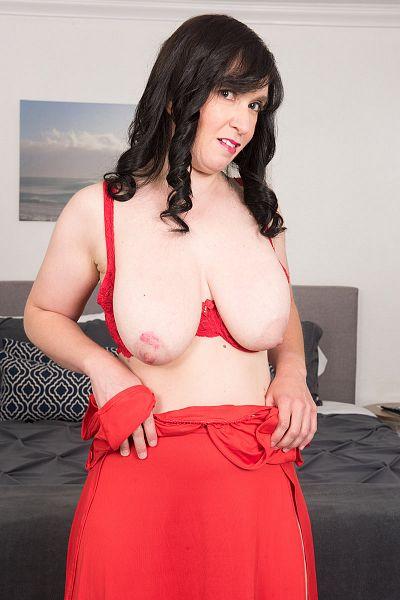 Gia Francesca Big Tits Model Profile