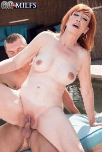 Diamond Red Photo - Diamond is a cock's best friend