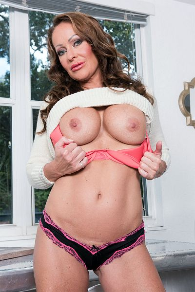 Nina Dee Big Tits Model Profile