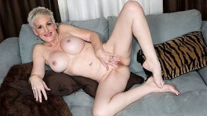 Kimber Phoenix Video - MILF Monday: Kimber