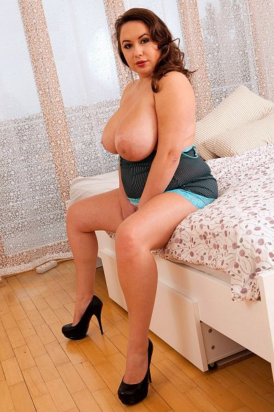 Monica Love Big Tits Model Profile