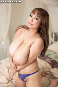 P-Chan Photo - Short 'n' Stacked Japanese Idol Has Gigantic Tits