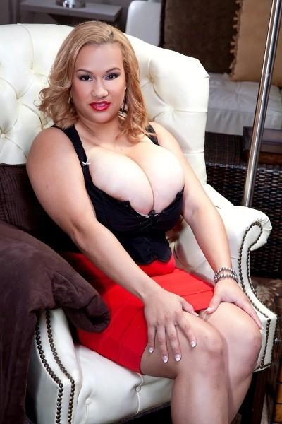 Liza Biggs Big Tits Model Profile